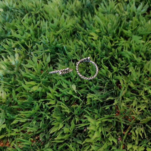 Twisted Toe Ring