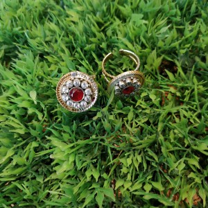 Red Cluster Toe Ring