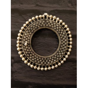 Tribal Floral Engraved Ball Pacheli