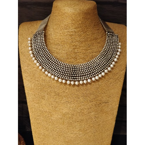 Beaded Layered Freshwater Pearl Short Necklace