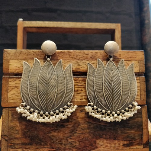 Textured Lotus Pearl Trinket Earrings.